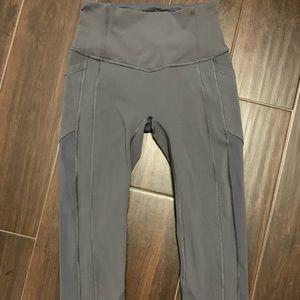 Lululemon All the Right Places Crop size 4